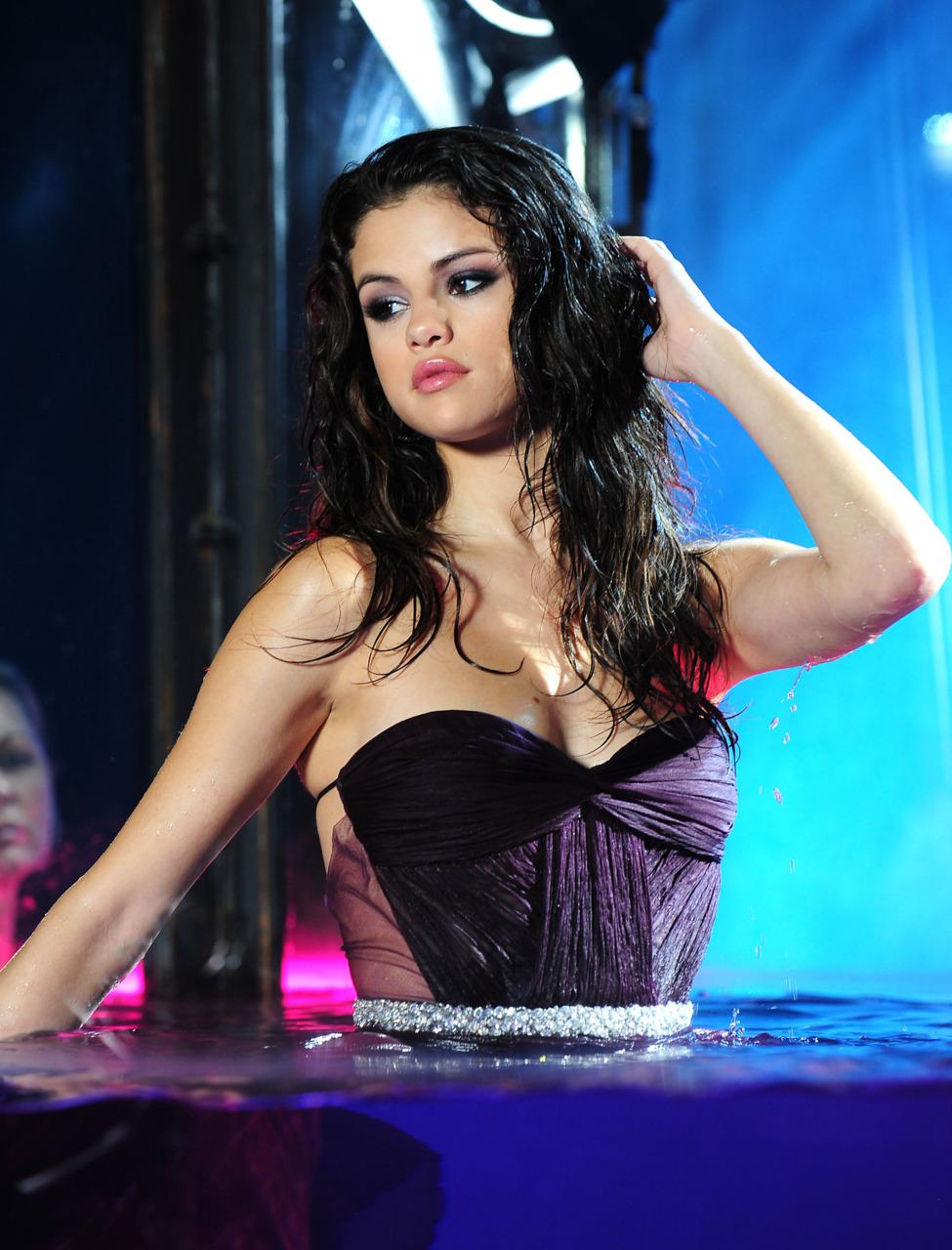 Selena Gomez fotos bien sexy hot