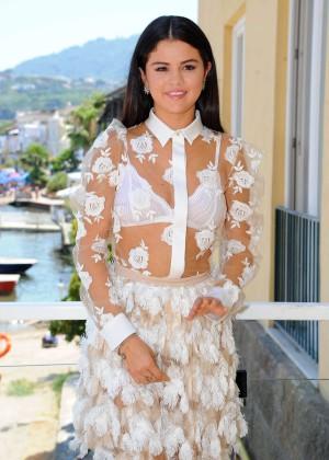 Selena Gomez in White Dress at Press Conference in Ischia