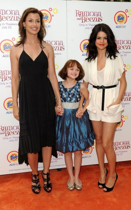 selena-gomez-ramona-and-beezus-premiere-in-nyc-04