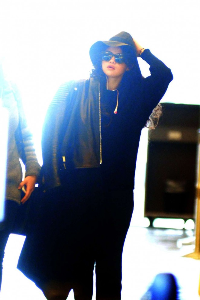 Selena Gomez – Spotted at JFK Airport in NY
