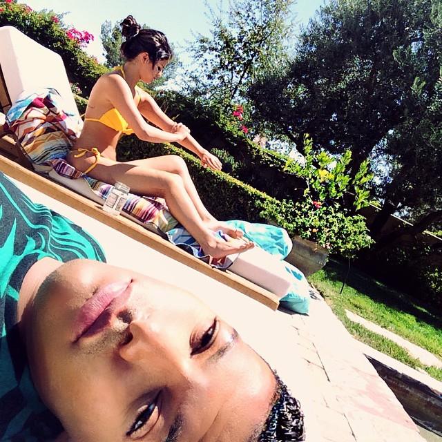 Selena Gomez in Yellow Bikini - Twitpic