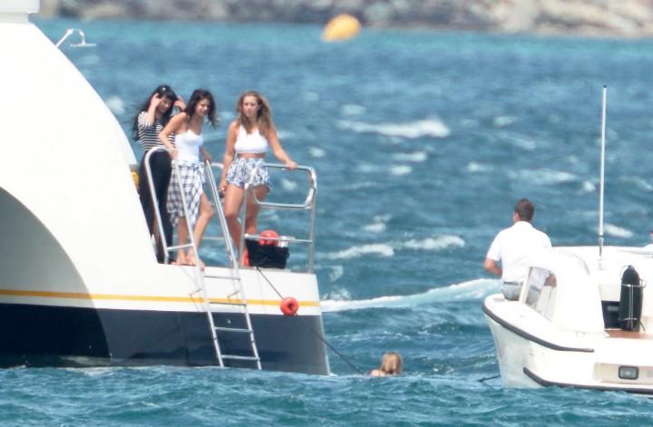 Selena Gomez Swimsuit Photos: St Tropez  2014 -38