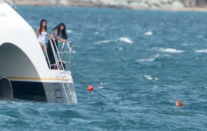 Selena Gomez Swimsuit Photos: St Tropez  2014 -61