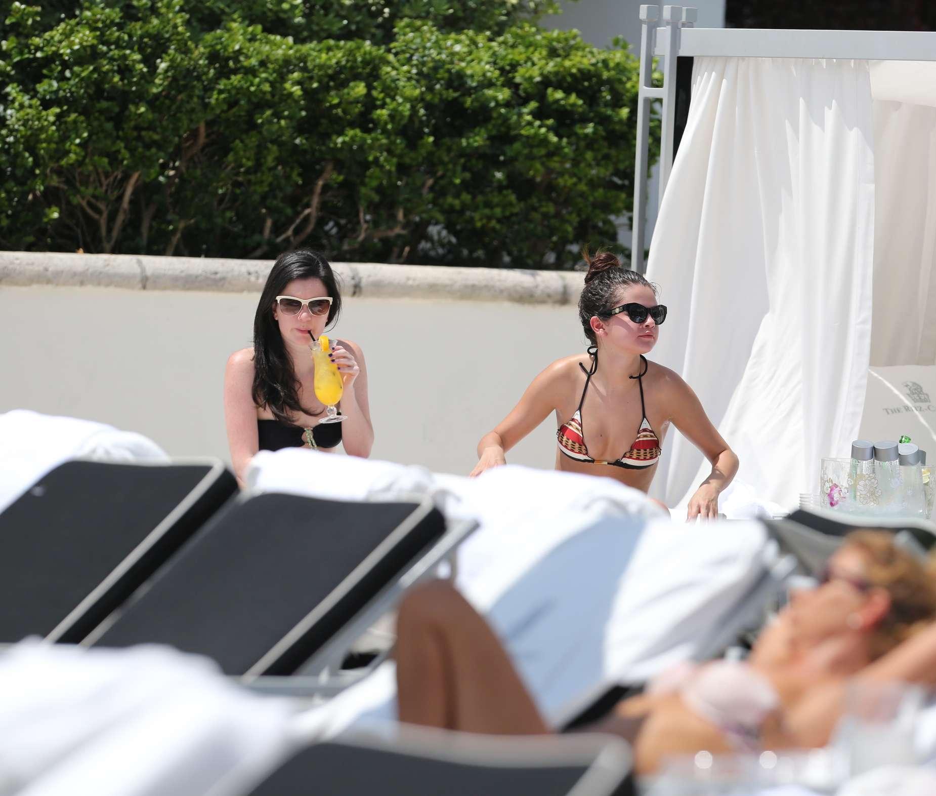 Selena Gomez 2013 : Selena Gomez – Wearing bikini -05