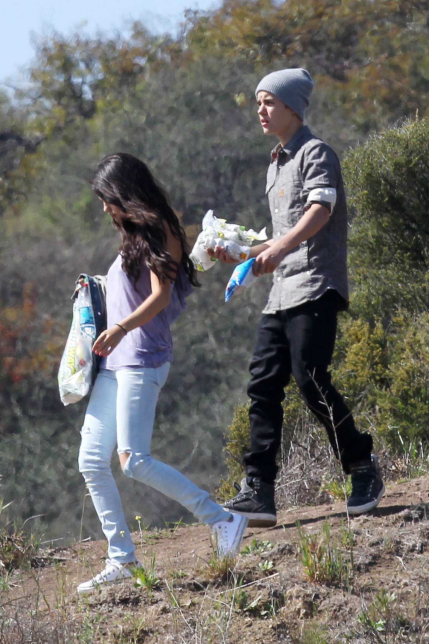 Selena Gomez With Bieber in Griffith Park – Los Angeles-03