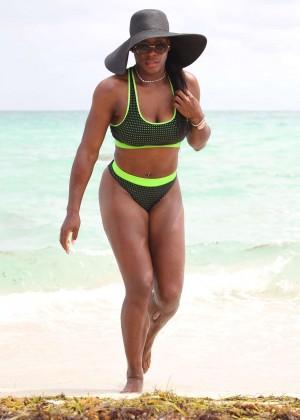 Serena Williams in Bikini -03