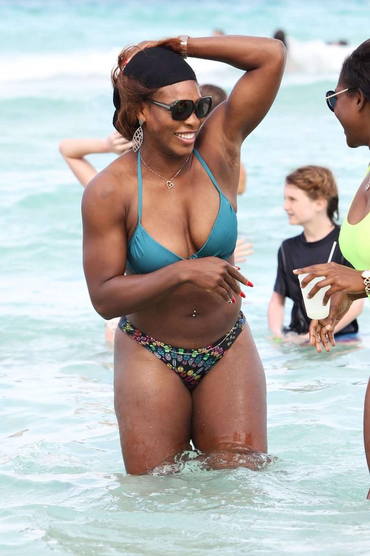 Black woman wrestling erotic