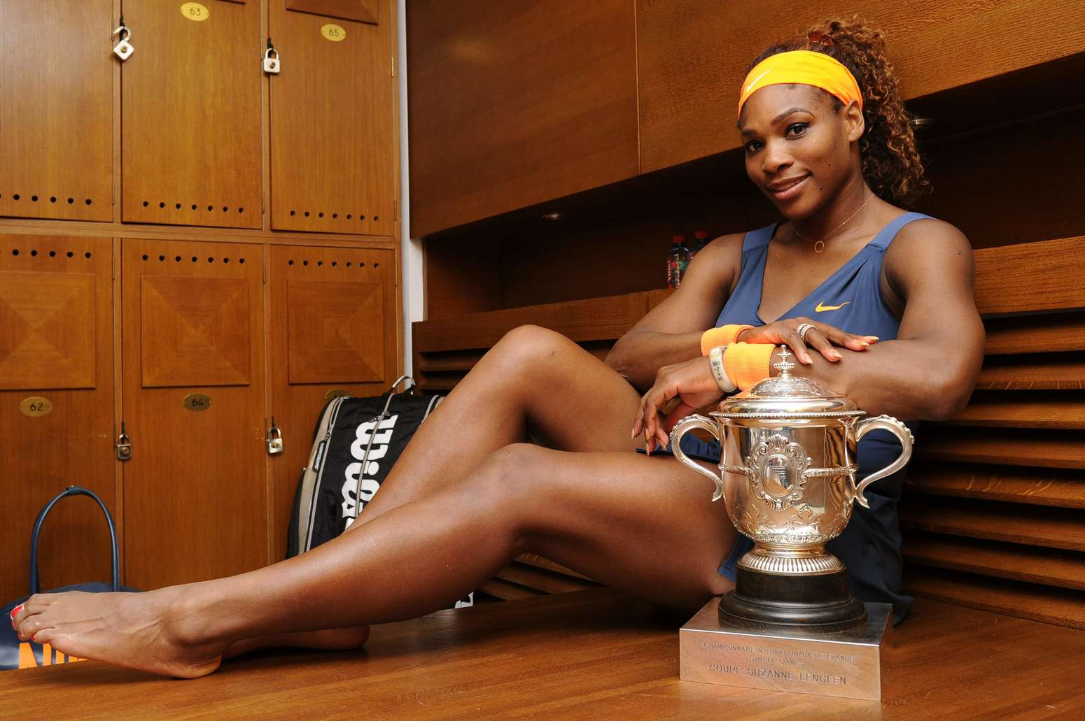 Kaia Kanepi Wikifeet: Serena Williams Poses With French Open Trophy 2013-03