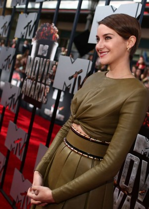 Shailene Woodley: 2014 MTV Movie Awards -04