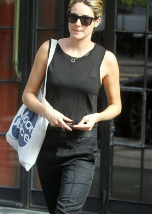 Shailene Woodley - Leaving her hotel in NYC