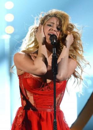 Shakira: 2014 Academy of Country Music Awards -01