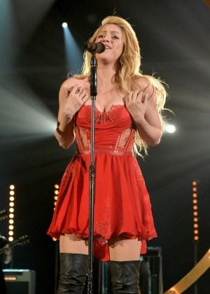 Shakira: 2014 Academy of Country Music Awards -10