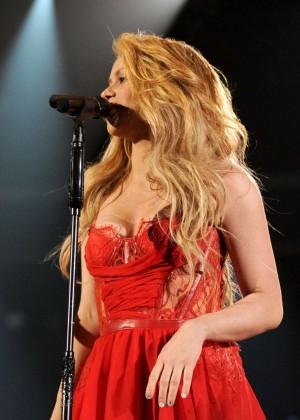 Shakira: 2014 Academy of Country Music Awards -13