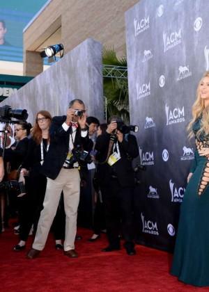 Shakira: 2014 Academy of Country Music Awards -14