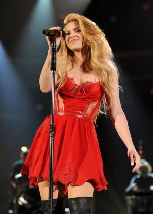 Shakira: 2014 Academy of Country Music Awards -19