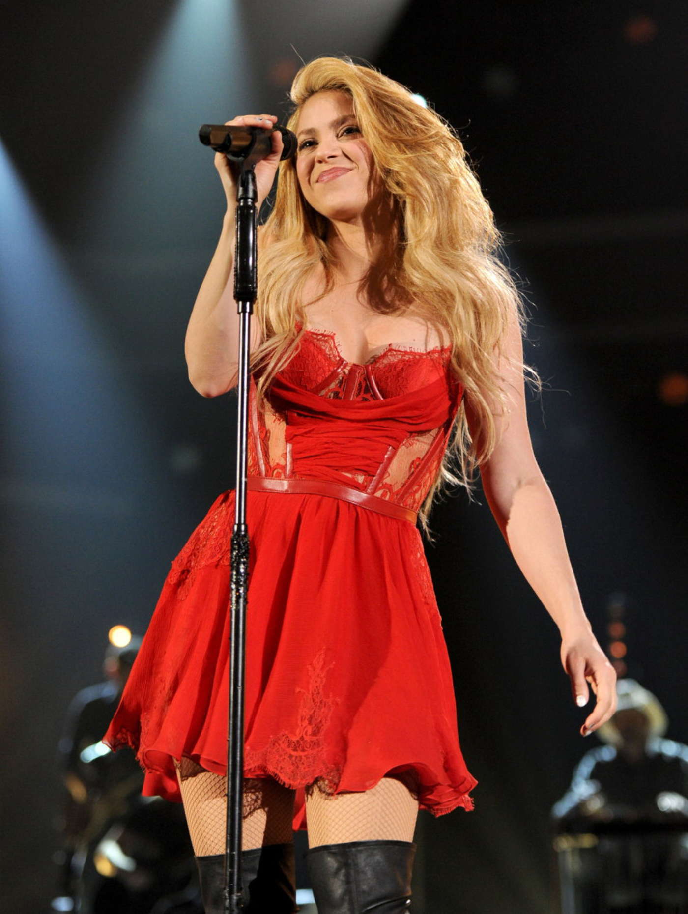 Shakira: 2014 Academy of Country Music Awards -19 – GotCeleb