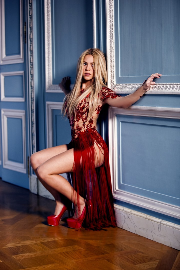 Shakira: Cant Remember To Forget You -02