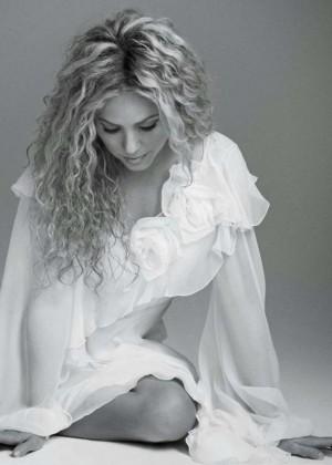 Shakira: Latina Magazine -04