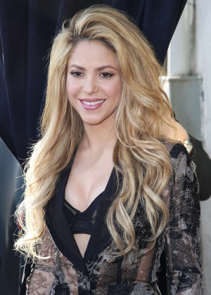 Shakira: The Voice Red Carpet Event -14
