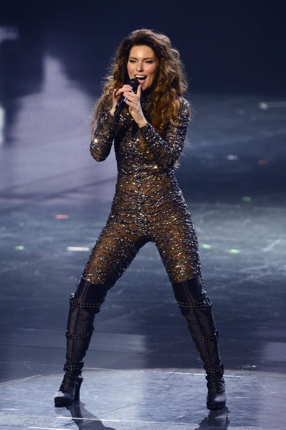 Shania Twain – Hot Photos – Still the One -21