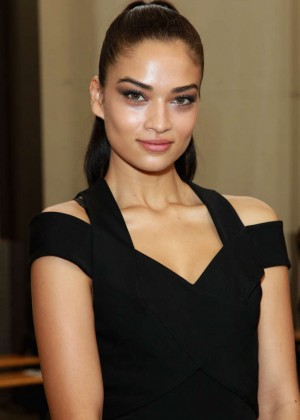 Shanina Shaik: Dion Lee Fashion Show 2014 -01
