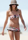 Sharni Vinson - Bikini Candids at Sydney Beach-08