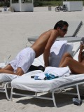 shauna-sand-bikini-candids-at-the-beach-in-miami-2010-03
