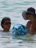 shauna-sand-bikini-candids-at-the-beach-in-miami-2010-28