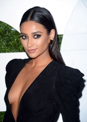 Shay Mitchell: 2014 GQ Men Of The Year Party -08