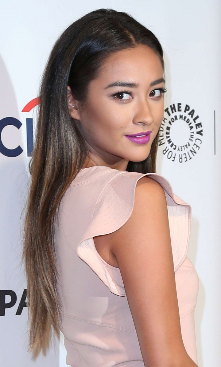 Shay Mitchell: PaleyFest 2014 Pretty Little Liars -02