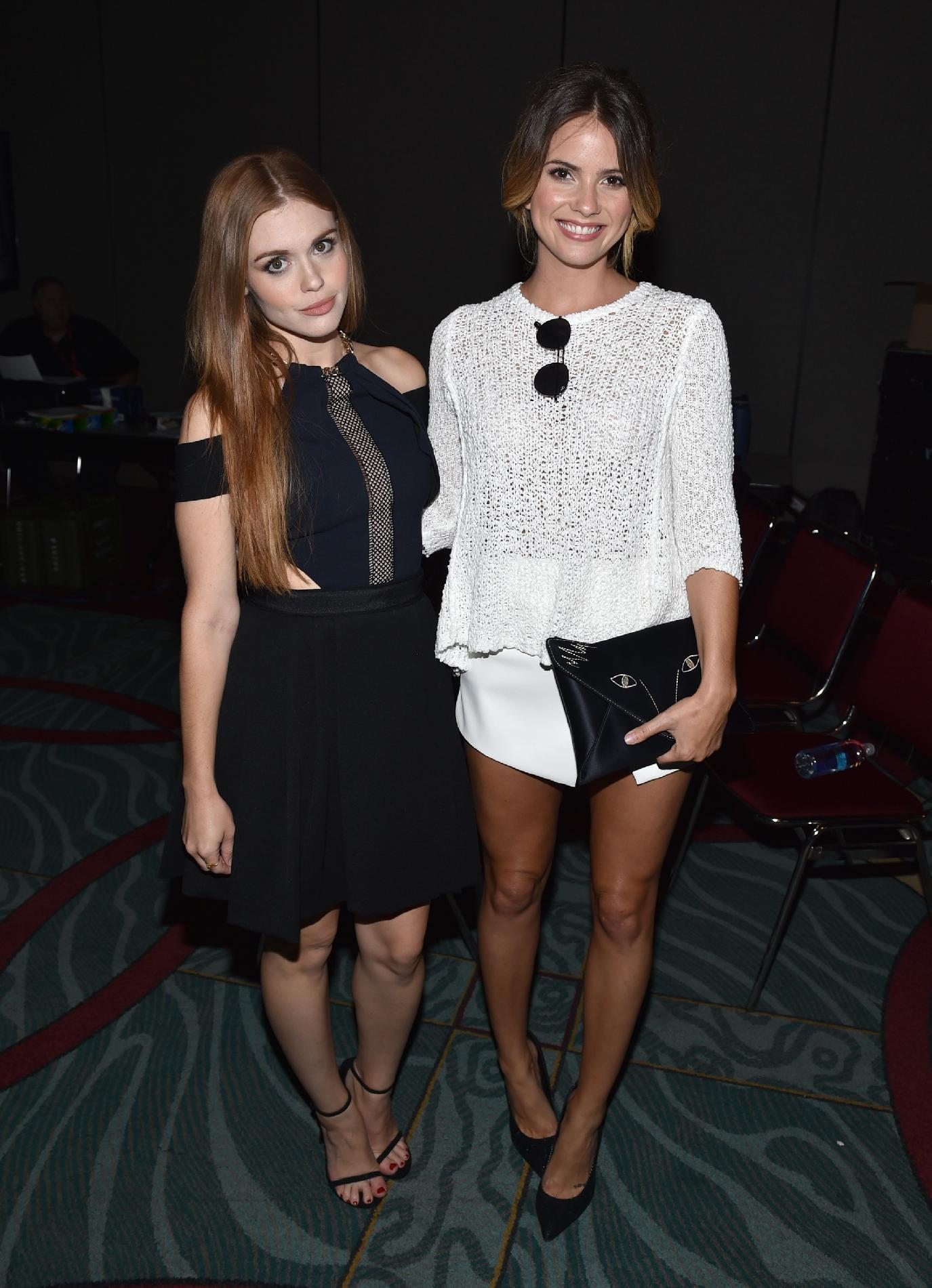 Shelley Hennig Comic Con 2014 01 Gotceleb