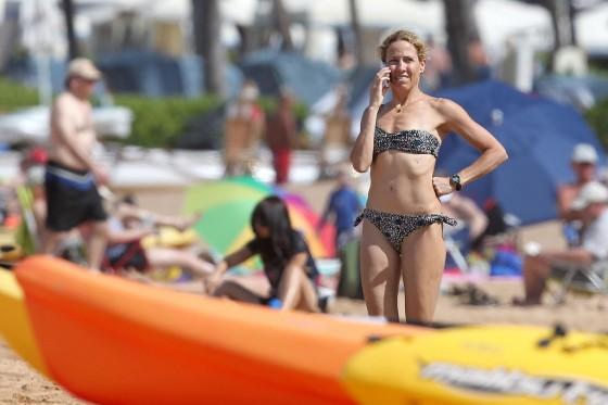 sheryl-crow-bikini-at-a-beach-in-hawaii-14