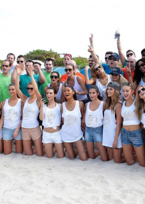 SI 2014 Swimsuit Beach Volleyball Tournament -03