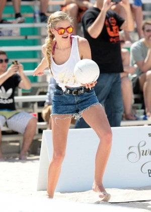 SI 2014 Swimsuit Beach Volleyball Tournament -09