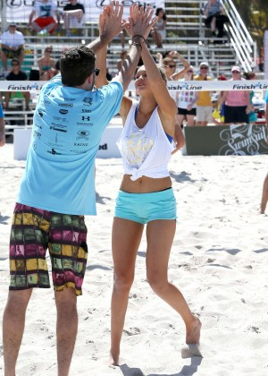 SI 2014 Swimsuit Beach Volleyball Tournament -11
