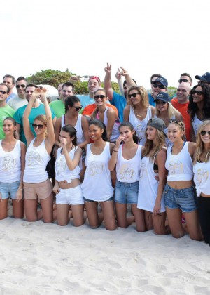 SI 2014 Swimsuit Beach Volleyball Tournament -14