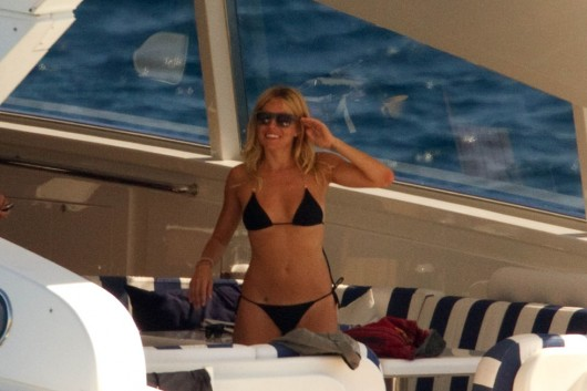 sienna-miller-in-black-bikini-in-ibiza-10