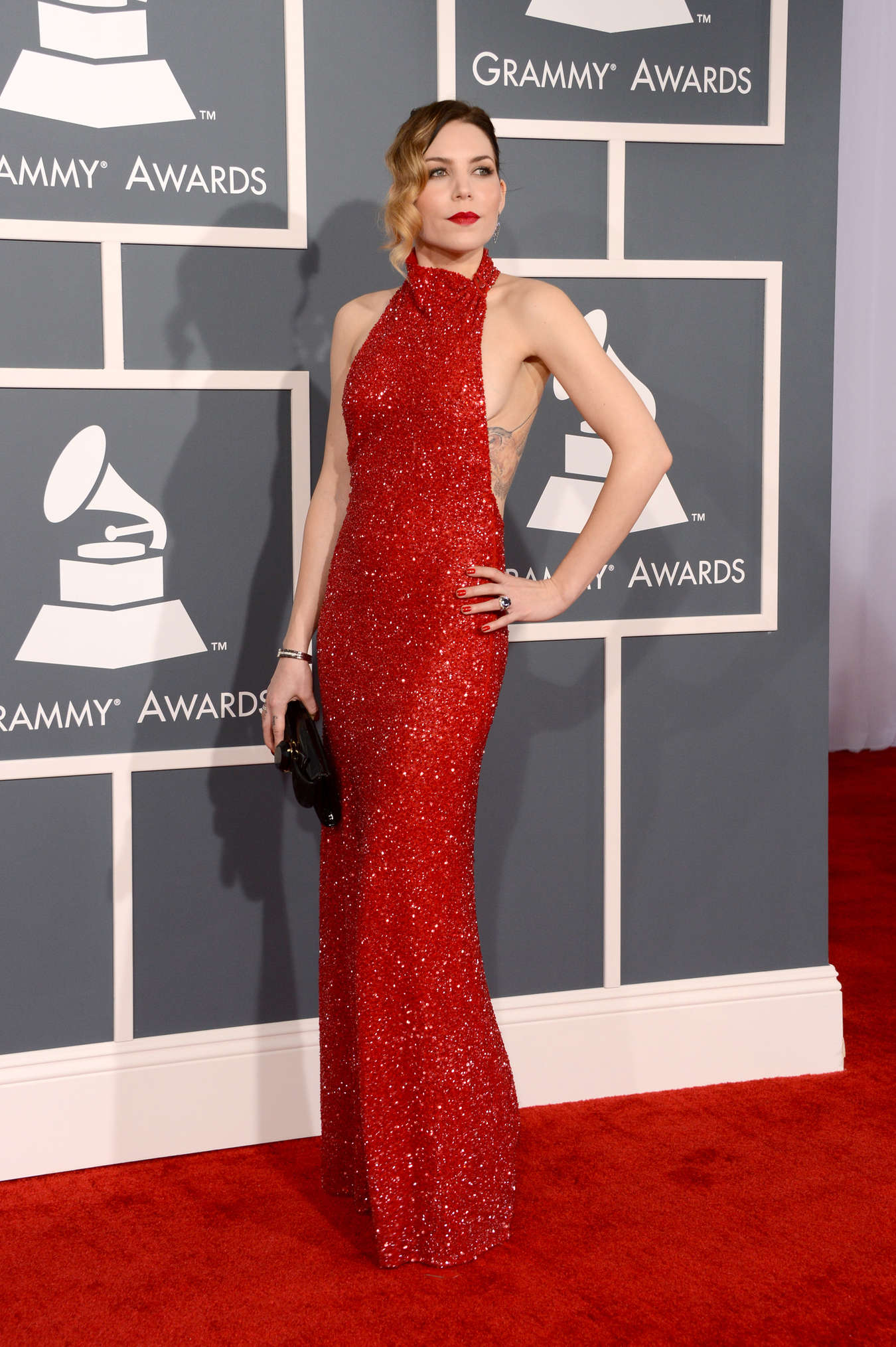 Skylar Grey 2013 Grammy Awards 02 Gotceleb