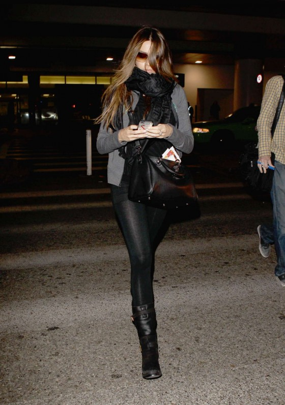 Sofia Vergara - Leggy at LAX-02