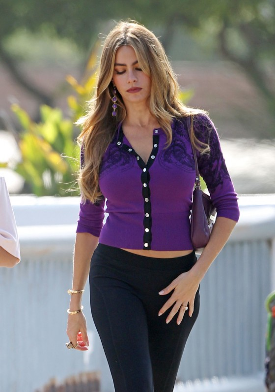 Sofia Vergara: Modern Family set photos -06