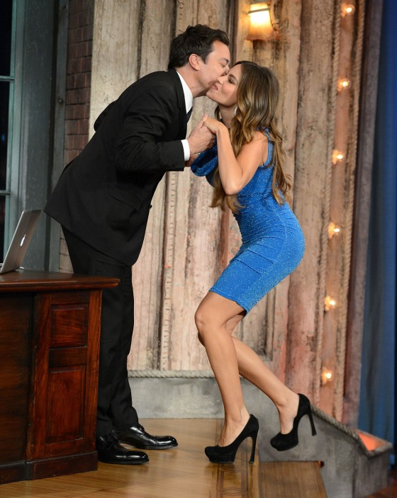 SOFIA VERGARA - Wears Tight Blue Dress on Late Night With Jimmy Fallon