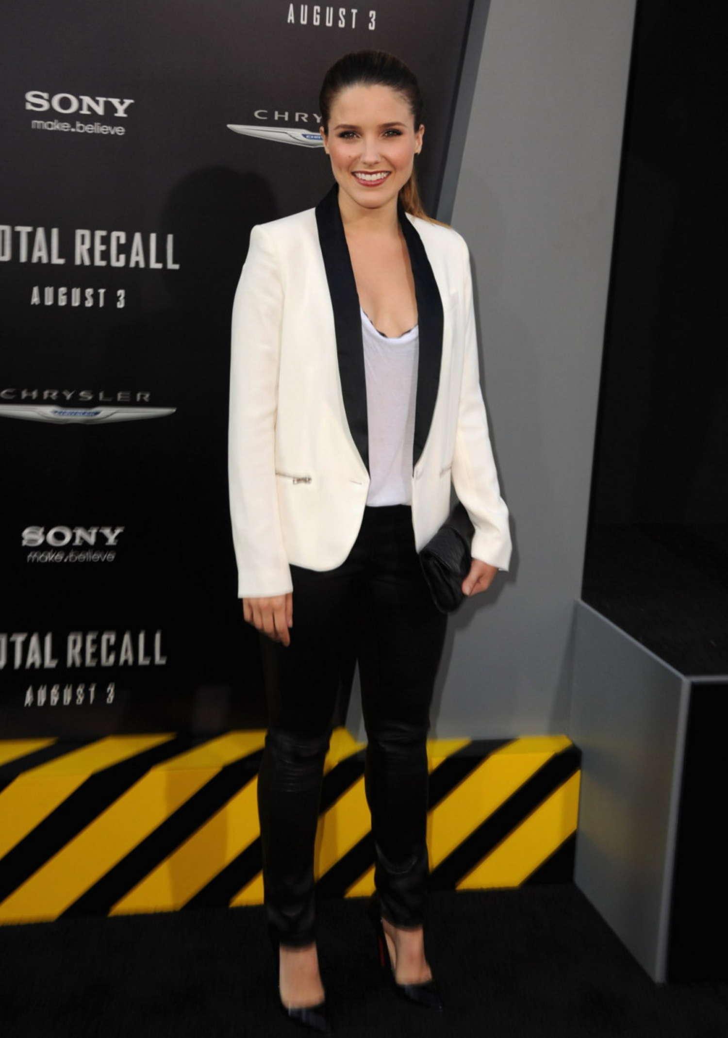 Sophia Bush 2012 : sophia-bush-at-total-recall-premiere-in-hollywood-03