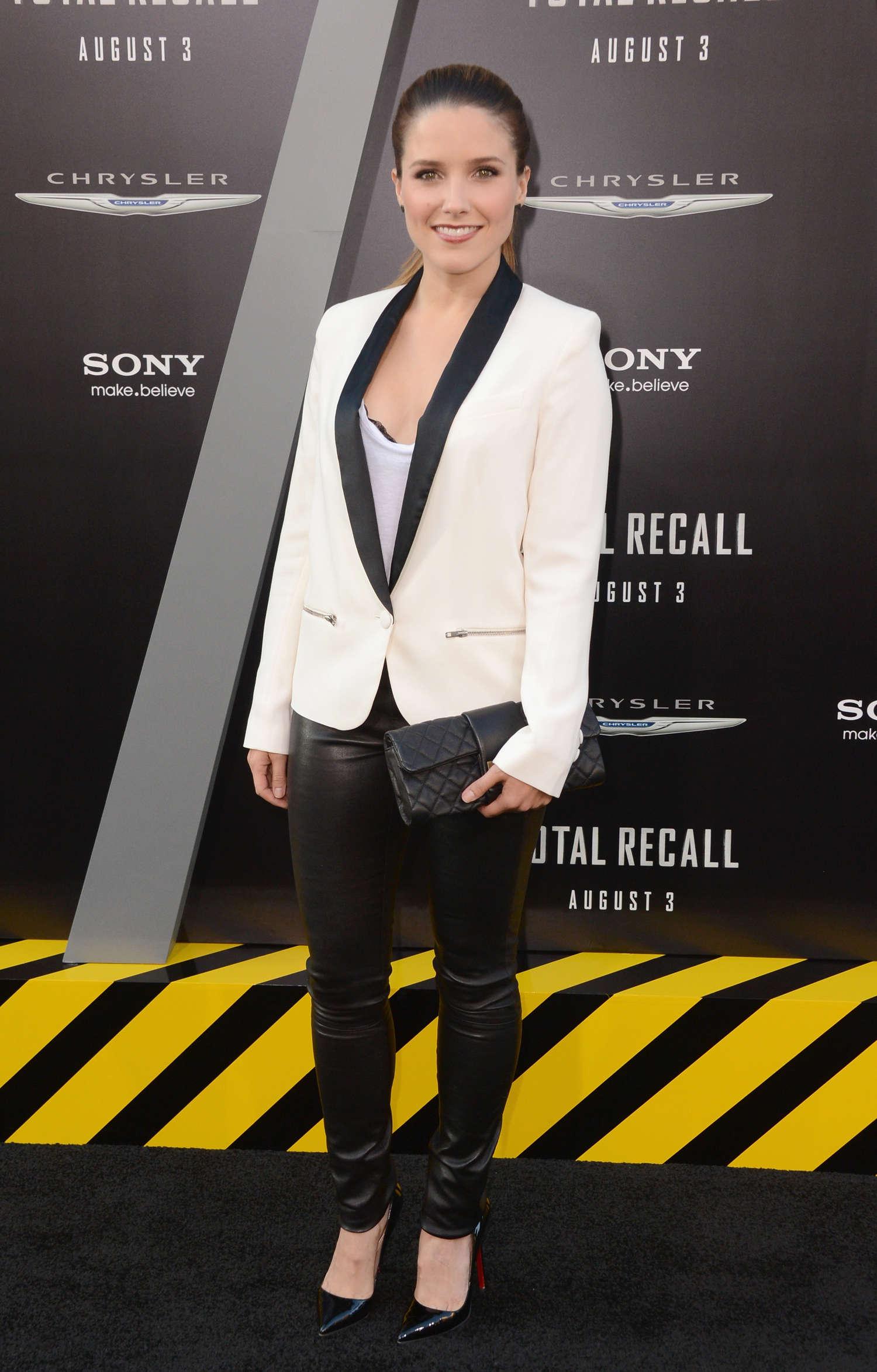 Sophia Bush 2012 : sophia-bush-at-total-recall-premiere-in-hollywood-06