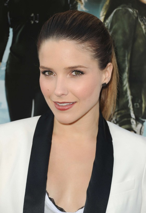 Sophia Bush cleavage at Total Recall Premiere