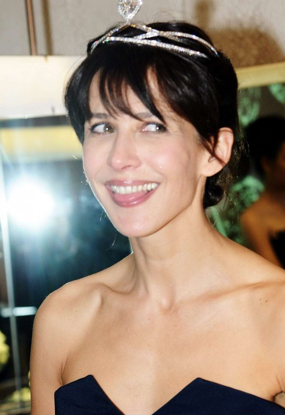 Back to post sophie marceau at chaumet store opening in paris