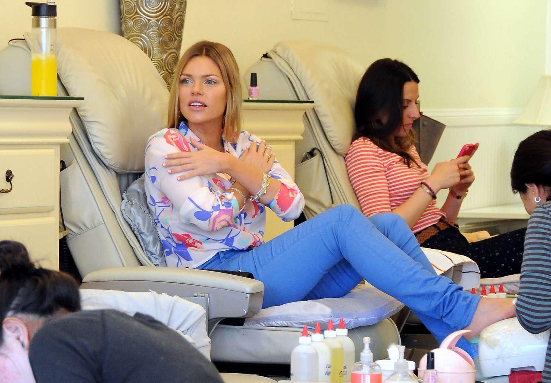 Sophie Monk - Seen at a nail salon -22 - GotCeleb