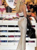 sophie-turner-shopping-candids-victorias-secret-in-la-03