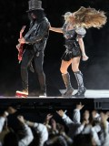stacy-fergie-ferguson-performing-at-super-bowl-xlv-03