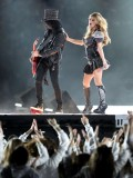 stacy-fergie-ferguson-performing-at-super-bowl-xlv-14