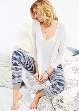 Stella Maxwell: Urban Outfitters 2014 -16